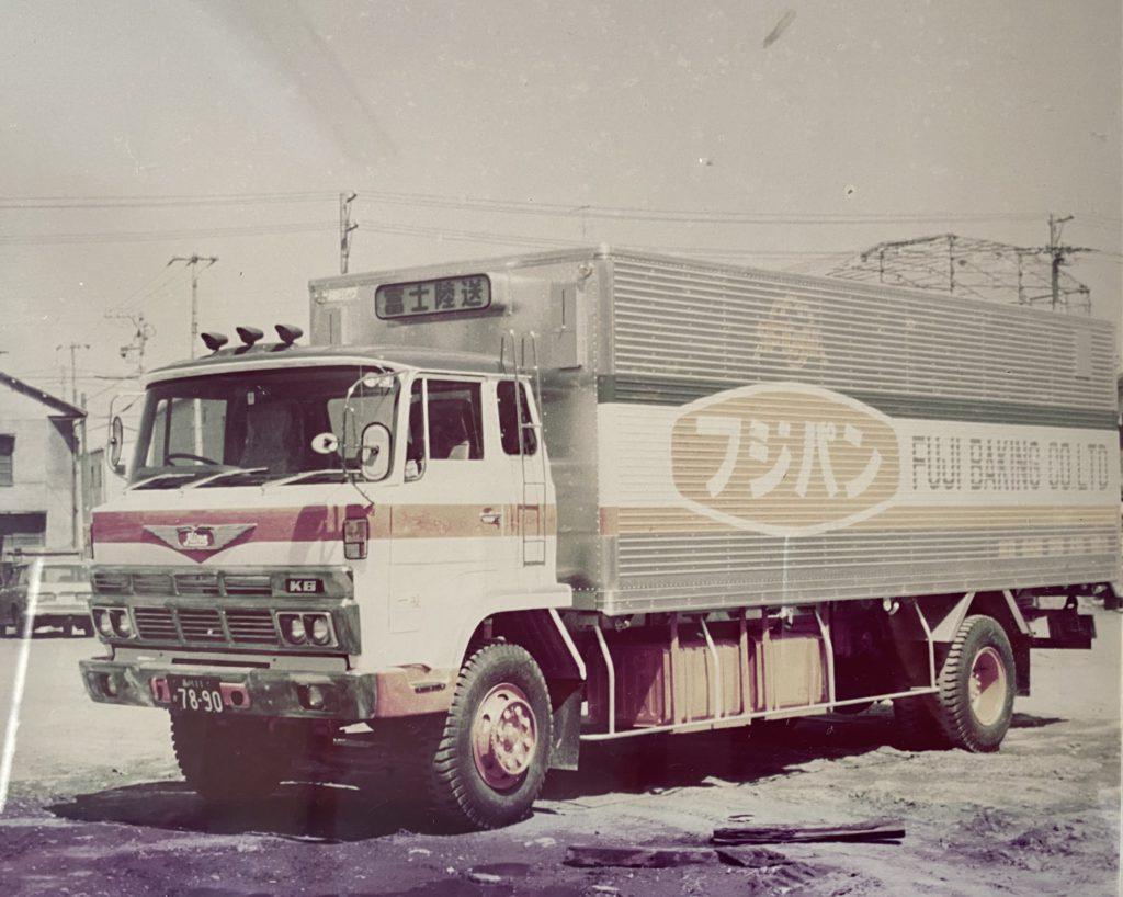 fujipan_truck_old